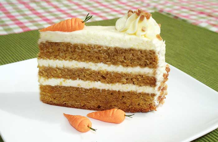 Pastel de zanahoria con  cubierta de limon