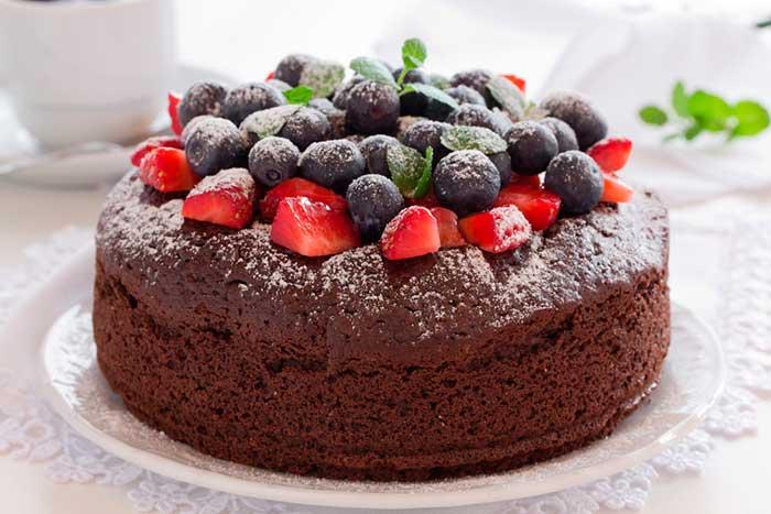Rosca de chocolate con fruta