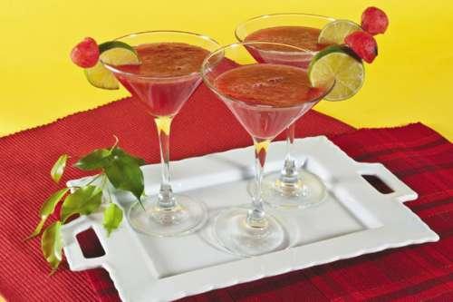 bebida-de-sand-a-y-tequila-3819946