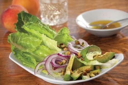 ensalada-con-aguacate-y-pistaches-645581