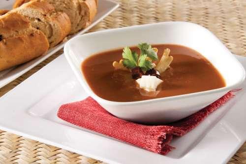 sopa-de-frijol-a-los-tres-chiles