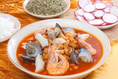 Sopa de mariscos y pescado el horno de lucas - Sopa de marisco y pescado ...