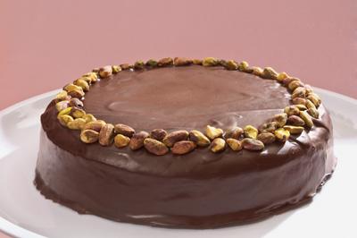 pastel-de-chocolate-con-pistaches