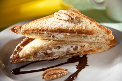 tri-ngulos-de-queso-chocolate-y-nuez