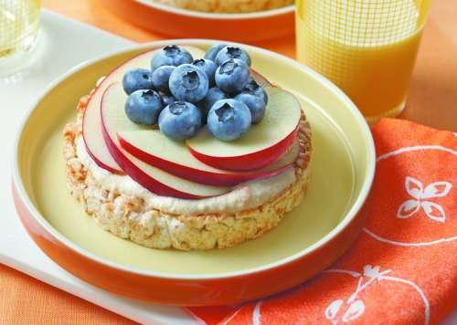 pasteles-de-arroz-crujiente-con-blueberries