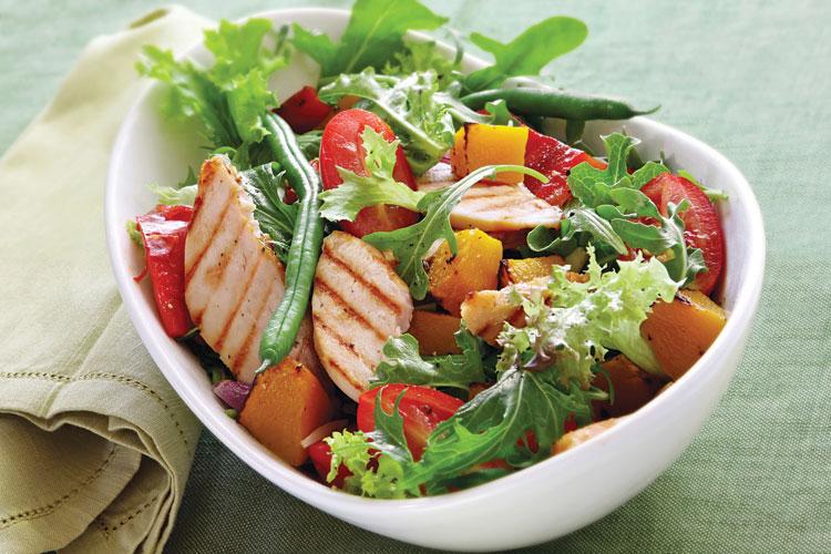 ensalada-de-pollo-asado-y-verduras