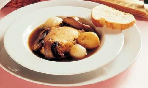 Pollo con papas y salsa de soya