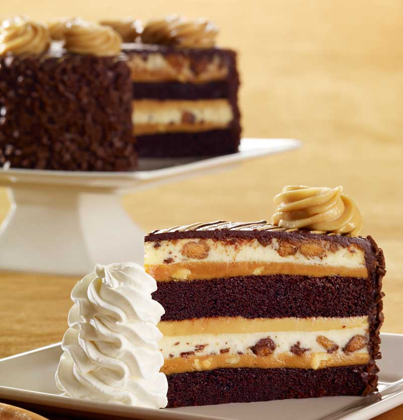Reese's-Peanut-Butter-Chocolate-Cake-Cheesecake