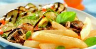Receta de Papas horneadas con vegetales asados