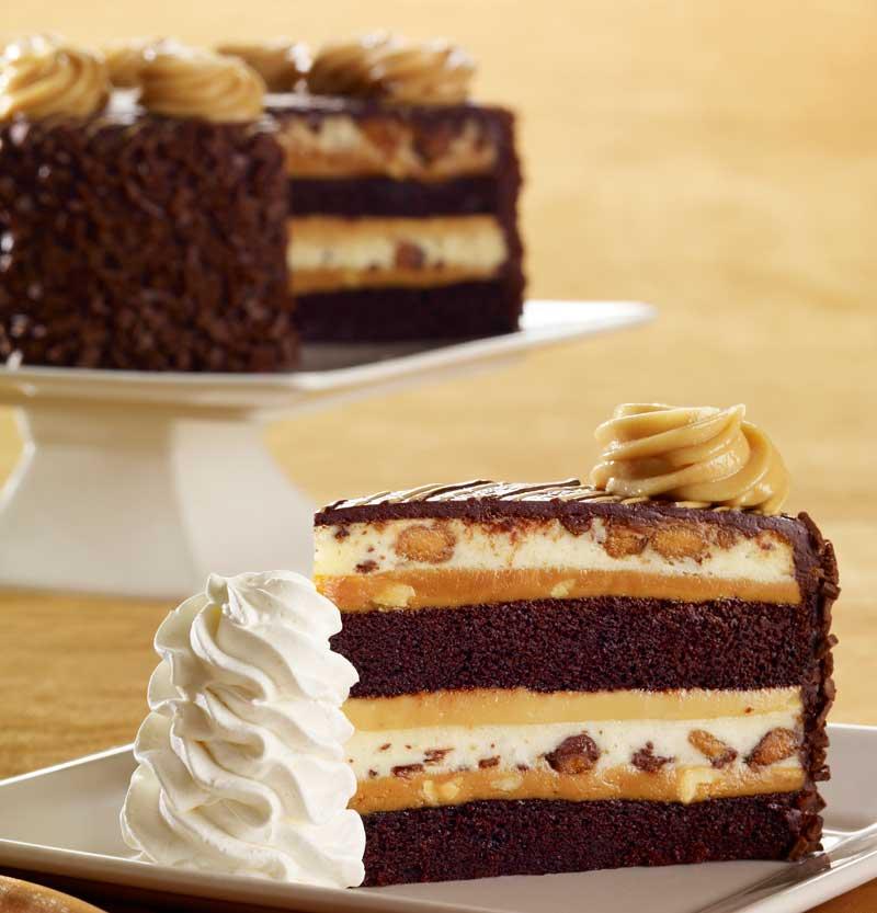 Reese's-Peanut-Butter-Chocolate-Cake-Cheesecake