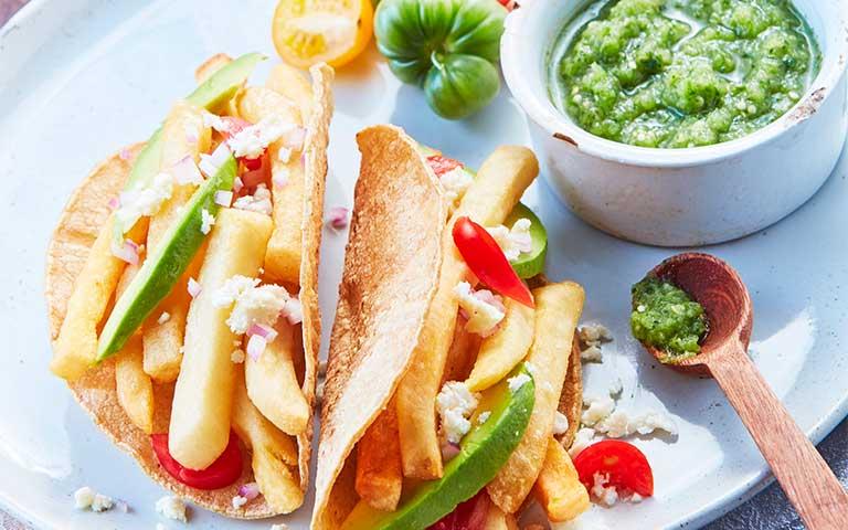 Receta de Tostadas de papa con salsa verde