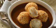 receta de Croquetas de requesón y papa con mole