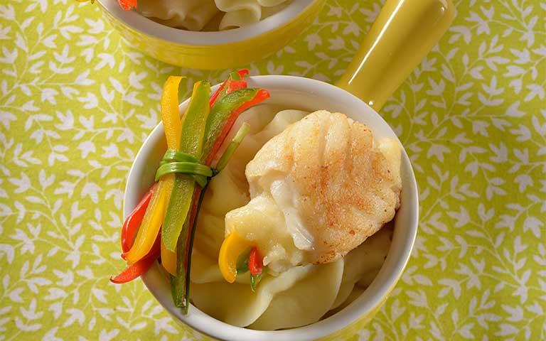 Receta de Filetes de pescado con verduras y puré de papa