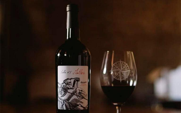 Vive el Día de muertos con vino mexicano