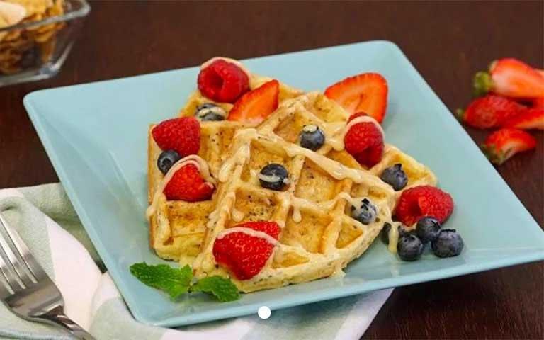 Waffles de Cereal con Fruta